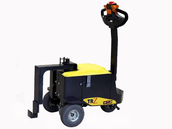 TR 7 tracteur accompagnant lift copie